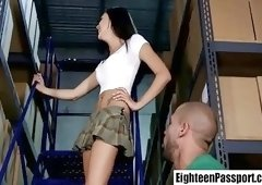 Delivery man bangs teen Jessica