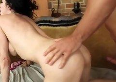 Marvelous buxomy mature woman Veronica Avluv giving a handjob