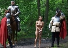 Mona Lee Fucked By Two Knights Same Time - Upox