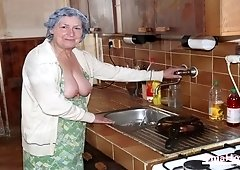 Planty of granny and horny moms picture collection in slideshow video compilation