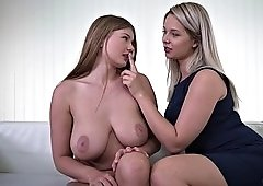 buxom l gets tongue fucked by her girlfriend