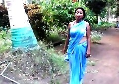 Seduction of Indian woman quickly turns into good sex