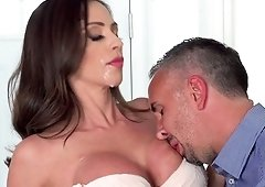 Ariella Ferrera's face covered in semen after a nasty shag