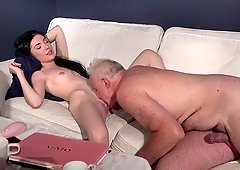 Sexy babe Mia Evans is in need of an elderly fellow's boner