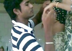 Hot amateur Indian girlfriend getting seduced for quickie