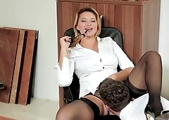 Anna Polina makes employee munch on her cunt & fuck her at work