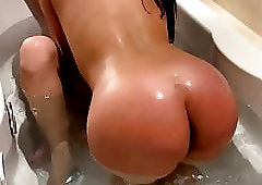 Anissa Kate & Clea Gaultier having fun in the bath