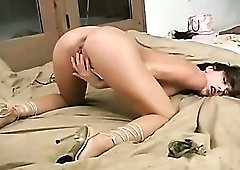 Insanely hot milf with great body fingers