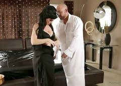 Extravagant mistress Rayveness gives massage and gets fucked