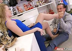 Shoes Job In Nylon Porno